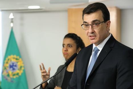 Carlos França muda cúpula do Itamaraty para fortalecer relações com o Congresso