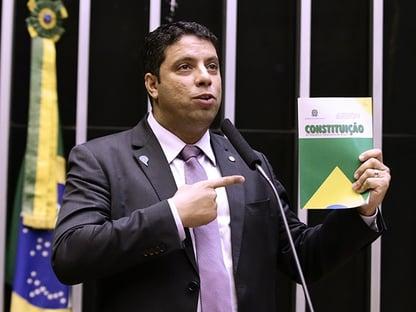 Os deputados que consentiram com o novo AI-5 de Eduardo Bolsonaro
