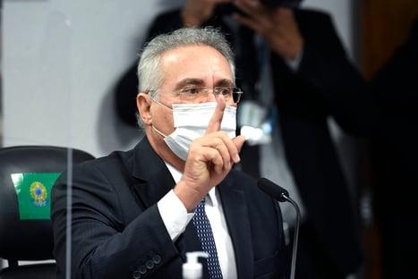 """Renan Calheiros: """"Bolsonaro pilota a procissão da pandemia"""""""