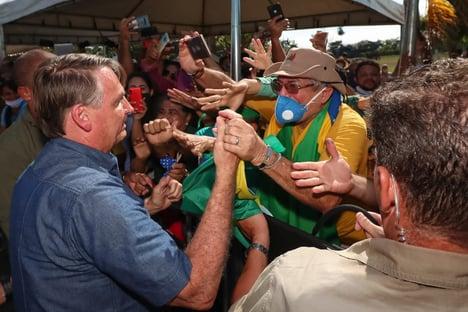 Ninguém apoia Jair Bolsonaro de graça