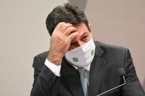 Carluxo 'participava de reuniões ministeriais sobre o novo coronavírus, diz Mandetta