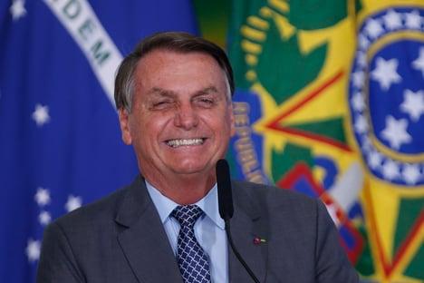 Se PT voltar, vai ter plantação de maconha no Alvorada, diz Bolsonaro