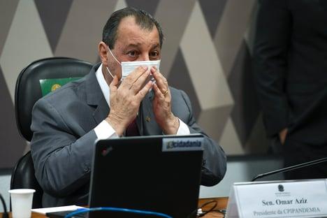 """""""Brincadeira do tratamento precoce tirou a vida de muita gente"""", diz Omar Aziz a Elcio Franco"""