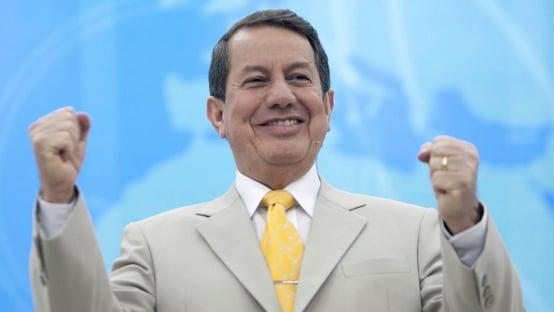 R.R. Soares recebe alta