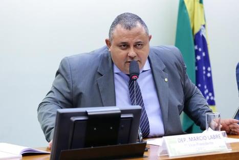 Deputado ofereceu apartamento funcional para reuniões de grupo de Allan dos Santos, diz PF
