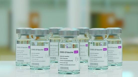 Europa alerta para outro possível efeito colateral da vacina da AstraZeneca
