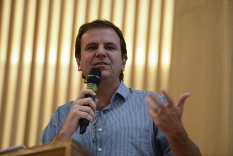 Em troca de propina da Odebrecht, Paes pressionou empreiteira a desistir de licitações, diz MP