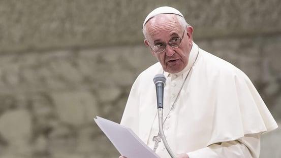 Na ONU, papa pede vacinas para os mais pobres e critica indústria bélica