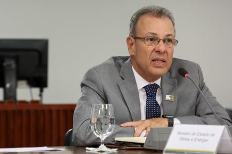 Centrão à espreita no Ministério de Minas e Energia
