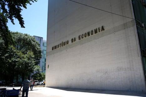 Governo precisa cortar R$ 20 bi para cumprir teto de gastos em 2021, diz IFI