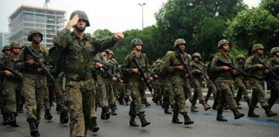 """O """"sacrifício da própria vida"""" dos militares de Bolsonaro"""