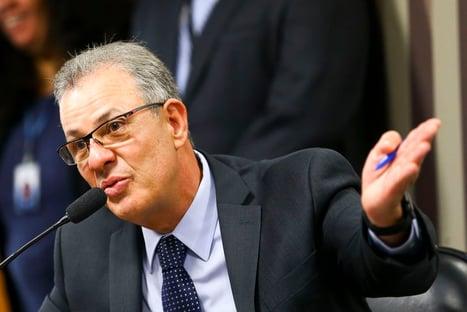 """""""Temos que avaliar"""", diz ministro sobre falta de propostas em megaleilão"""