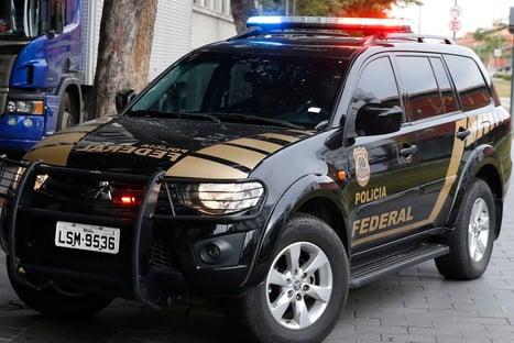 PF apura esquema de extorsão na Receita Federal