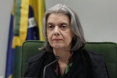 Cármen manda Mendonça entregar cópias do dossiê sobre antifascistas a cada ministro do STF