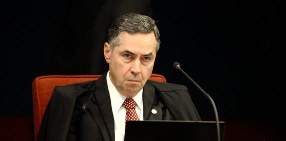 Barroso e Gilmar defendem votação eletrônica do Brasil