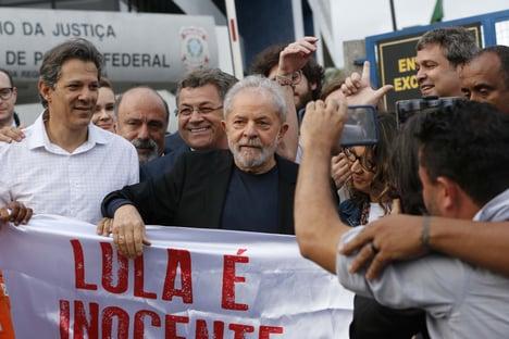 MBL e Vem pra Rua convocam panelaço contra Lula para horário do JN