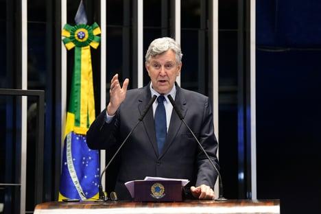Senador do PP confirma possibilidade de Bolsonaro retornar ao partido