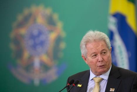 Rubem Novaes apresenta renúncia à presidência do BB