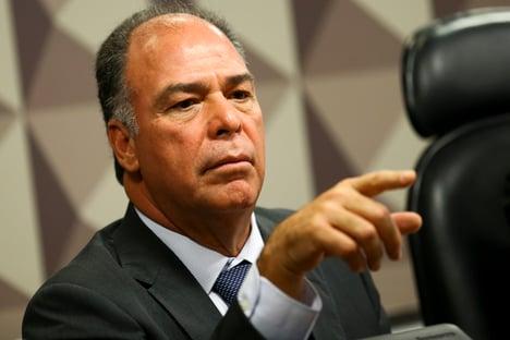 PF investiga se gráfica suspeita pagou dívida de Fernando Bezerra