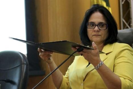Demitida, mulher de blogueiro bolsonarista denuncia indícios de ilegalidades