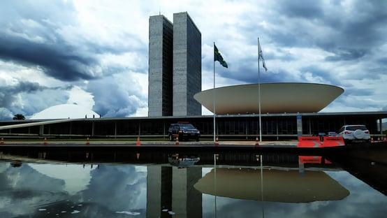 Parlamentares custam mais de R$ 30 milhões por dia aos brasileiros