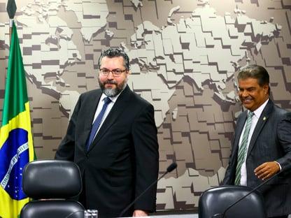 Ernesto Araújo confirma presença no Senado para falar da visita de Pompeo