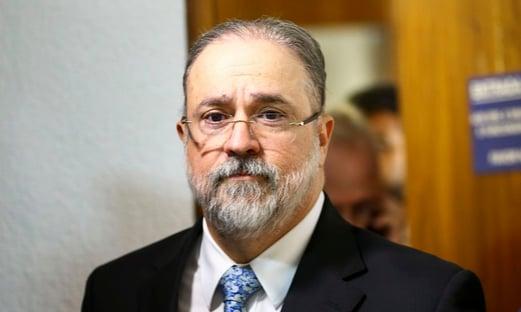 Não houve crime de Bolsonaro no caso encher tua boca de porrada, diz PGR