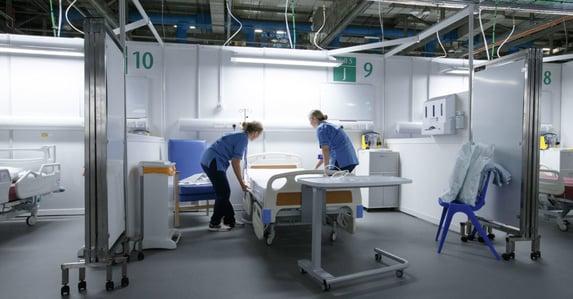 Reino Unido reativa hospitais de campanha