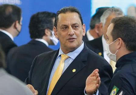 Greenfield aciona Justiça para obrigar JBS a explicar R$ 9 milhões a Wassef