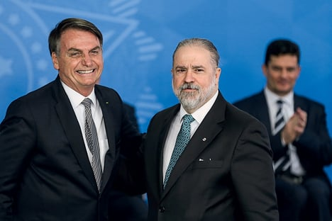Bolsonaro e Renan unidos contra a Lava Jato
