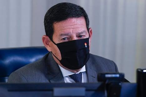 Mourão diz que governo vai levar embaixadores à Amazônia