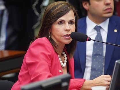 """ENTREVISTA: """"Governo não ajudou e agora não vai atrapalhar"""", diz relatora do Fundeb"""