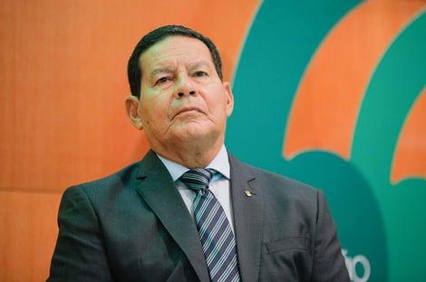 """Mourão, sobre ser vice de Bolsonaro em 2022: """"Estou trabalhando para isso"""""""