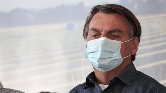 """Bolsonaro: """"É inadmissível, perdemos o ano letivo"""""""