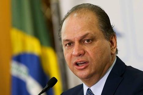 Barros diz que errou ao não consultar o governo sobre plebiscito
