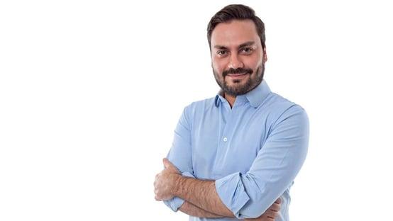 Novo suspende candidatura de Filipe Sabará em SP