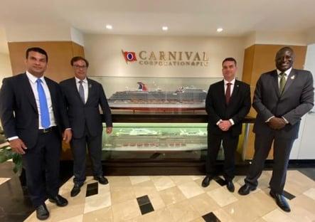 """Após """"viagem oficial"""" a Las Vegas e com aval do governo Bolsonaro, senador apresenta projeto para liberar cassinos"""