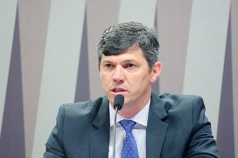 Secretário de Ibaneis é alvo da PF por desvios no Dnit