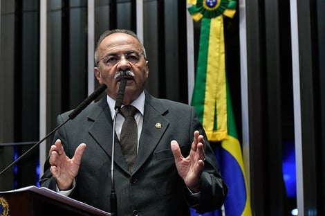 Senadores vão usar parecer da PGR para permanência de Chico Rodrigues
