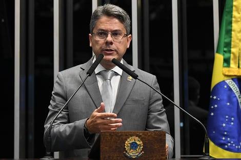 """Alessandro Vieira: """"Queremos mudança, mas sem mitos e heróis"""""""