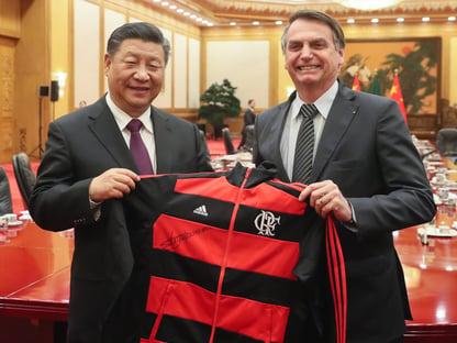 Bolsonaro: Não acredito que a vacina da China transmita segurança pela sua origem