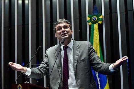 MP Eleitoral pede impugnação da candidatura de Lindbergh Farias no Rio