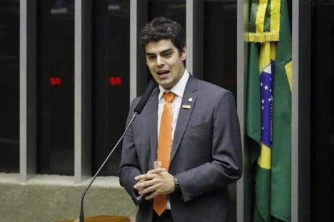 Frente parlamentar defende inclusão dos atuais servidores na reforma administrativa