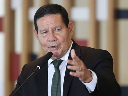 """Mourão evita criticar Eduardo Bolsonaro: """"Declaração, nada mais do que isso"""""""