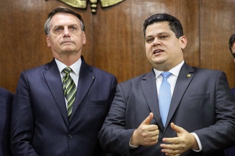 Alcolumbre convida Bolsonaro para ir ao Amapá