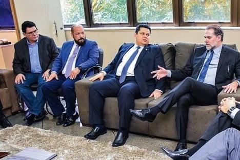 Para Kajuru, ministros favoráveis à reeleição de Alcolumbre combinaram de ajudar seu irmão
