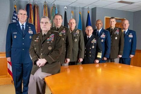 Chefes militares dos EUA condenam invasão do Capitólio e estão prontos para posse de Biden