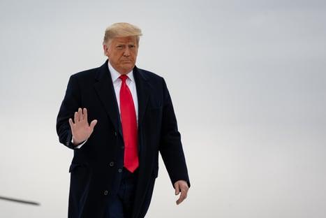"""Banido das redes, Trump diz que """"é necessário ouvirmos uns aos outros"""""""