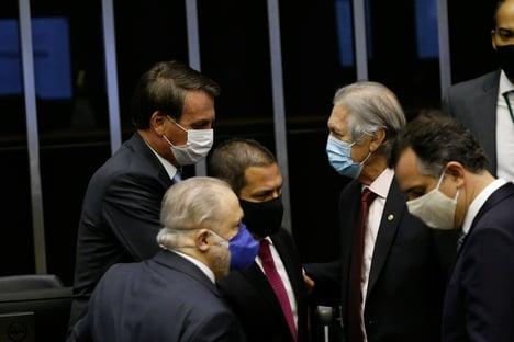 Dirigentes do PSL atuam para barrar volta de Bolsonaro ao partido