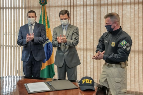 Novos chefes da PF e PRF tomam posse